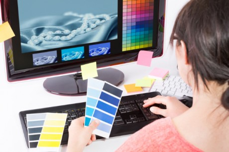 Tips For Outsourcing Graphic Design: Logos, Brochures & Flyers